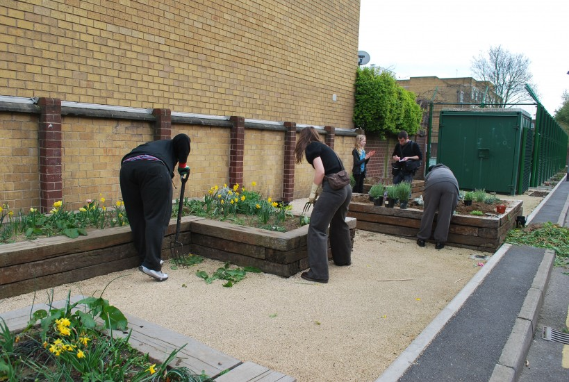 Gardening workshops involved local young people from the Trinity Centre on Beechwood Road, Rhodes estate and local enthusiasts canvassed from previous events at Dalston Mill.